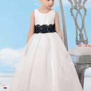 White Little Bride's dress