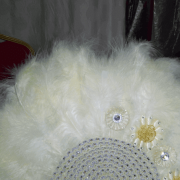 BRIDAL FEATHER HAND FAN FOR SALE IN LAGOS