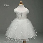 Off Shoulder Little Bride's Gown For Sale In Lagos