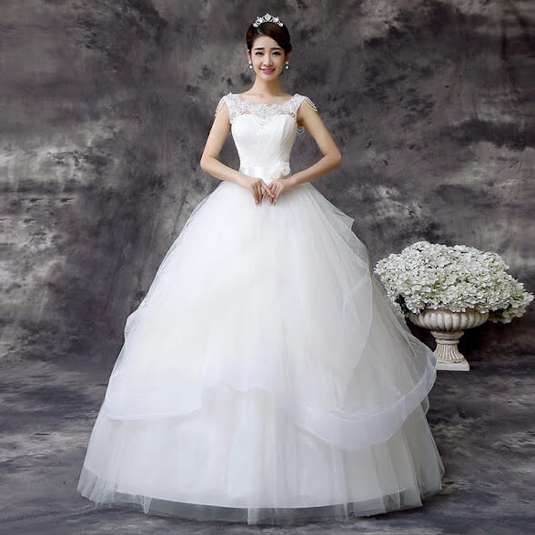 Rent A Wedding Dress: Ball Wedding Gown With Beads Available For Rent In Lagos